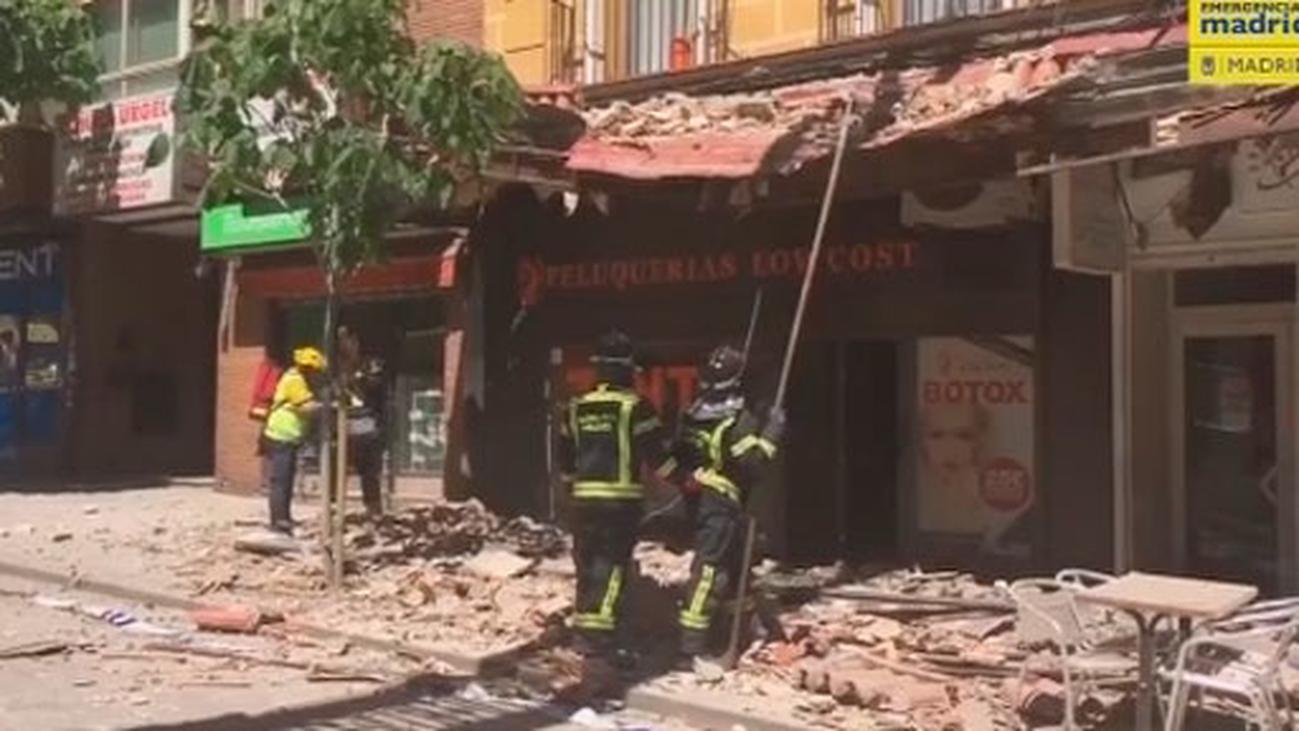 La caída de la cornisa podría haber afectado a una viga del edificio de Carabanchel que sigue desalojado