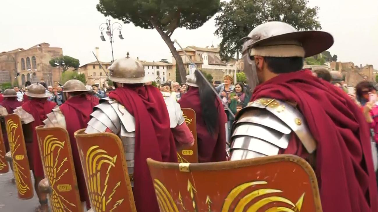 Celebramos el cumpleaños de Roma en el Coliseo