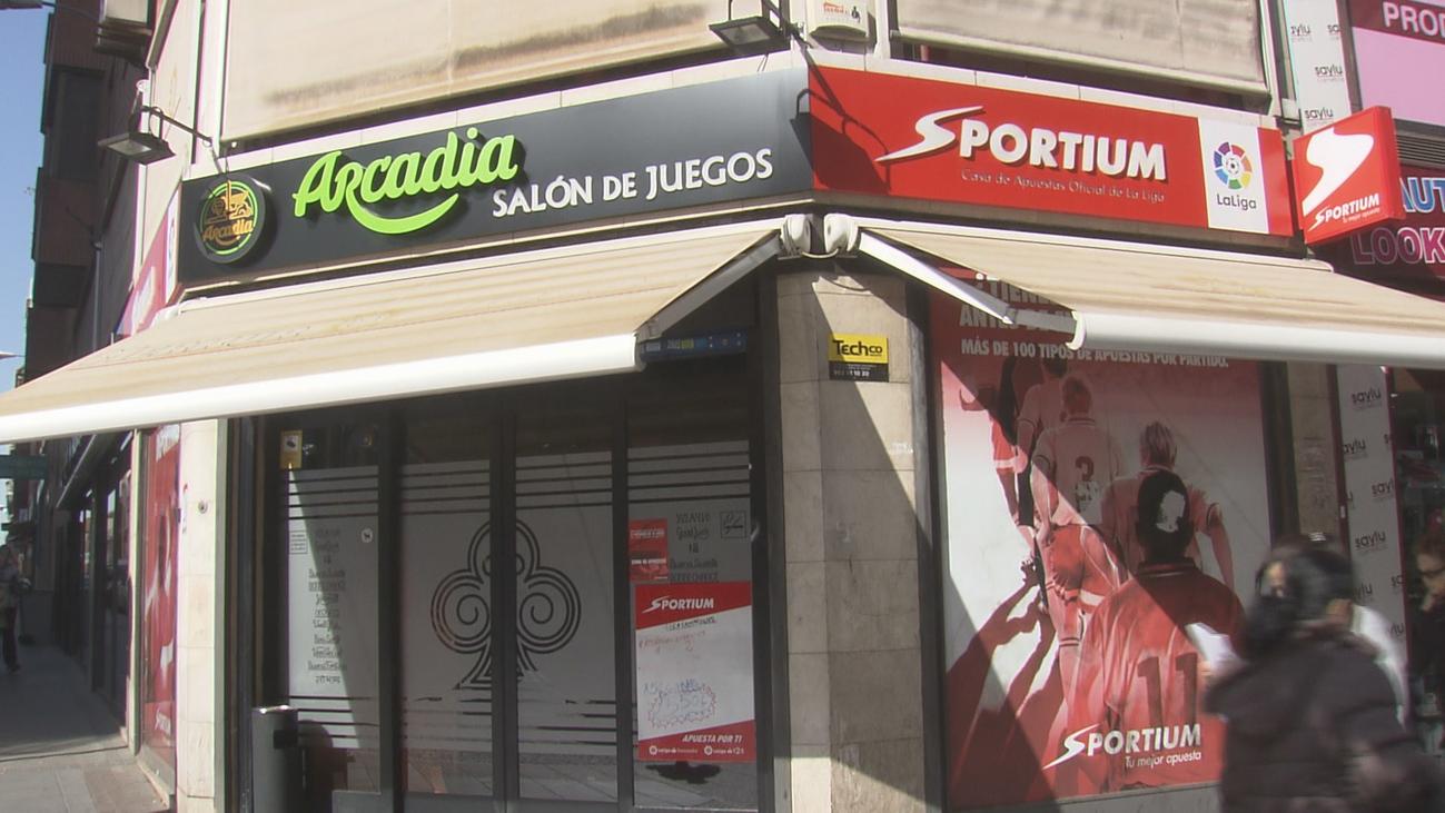 Madrid establece en 100 metros la distancia mínima entre salones de juego y colegios