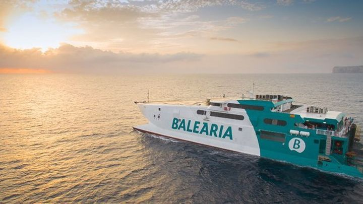 Más de 100 puestos para trabajar en Balearia este verano