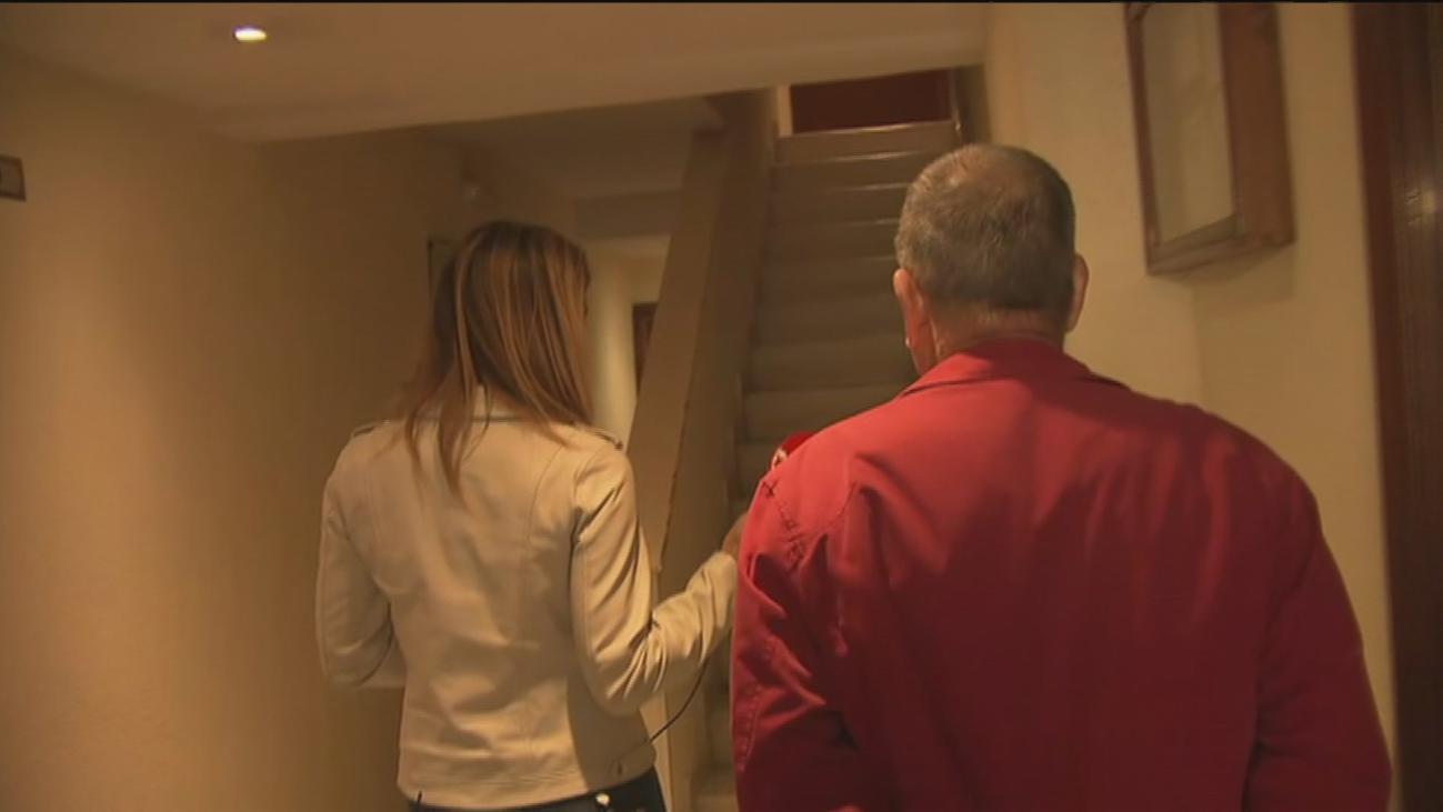 El problema en Madrid de vivir sin ascensor en un edificio de cinco plantas