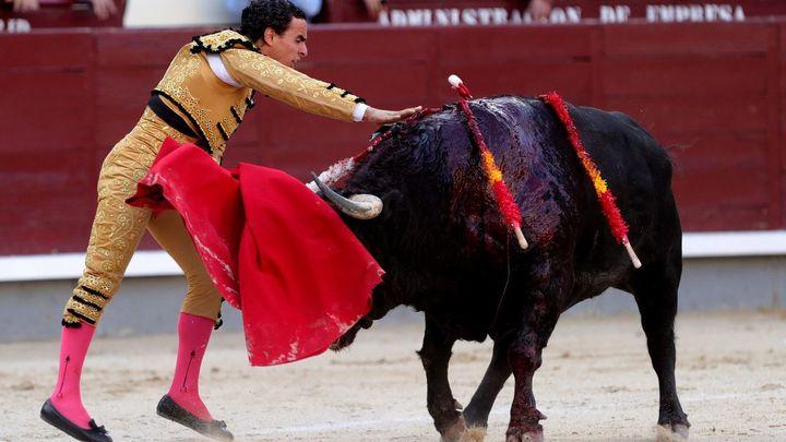 Los toros de Valdefresno deslucen la tercera corrida de San Isidro