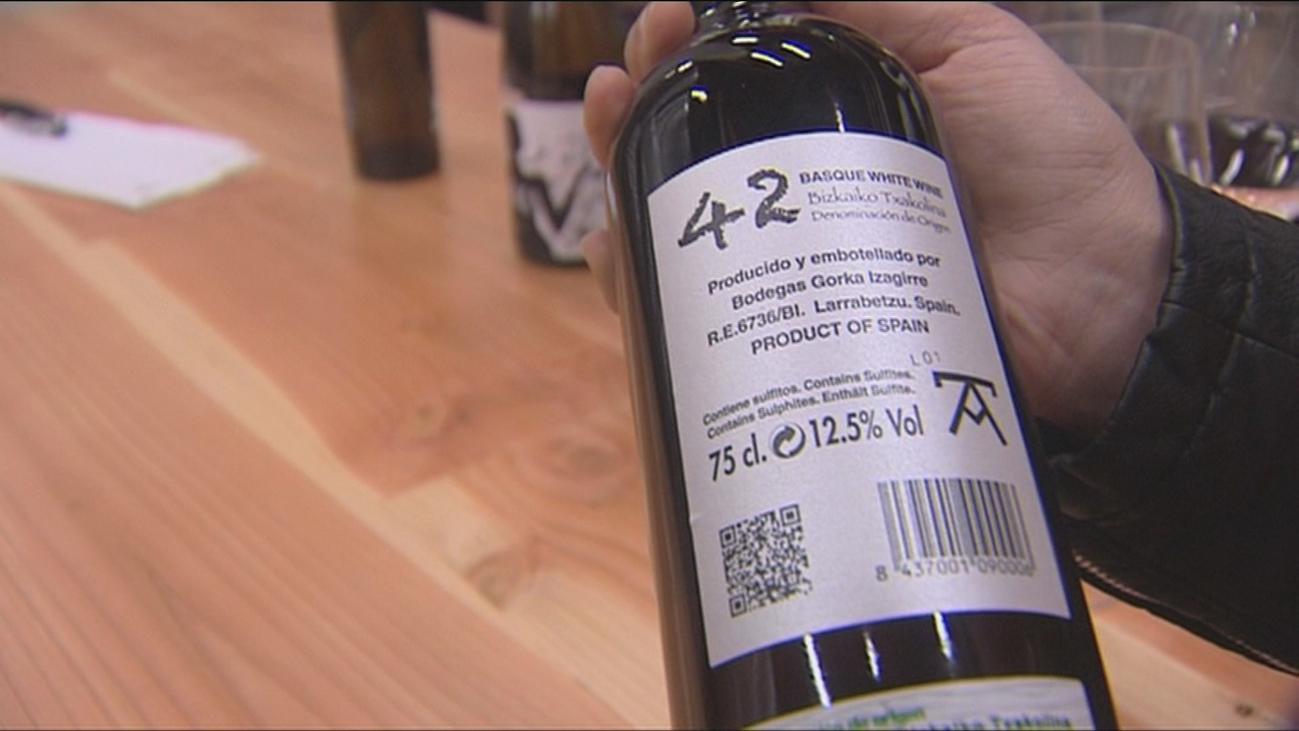 Un 'txacolí' de Vizcaya, mejor vino blanco del mundo