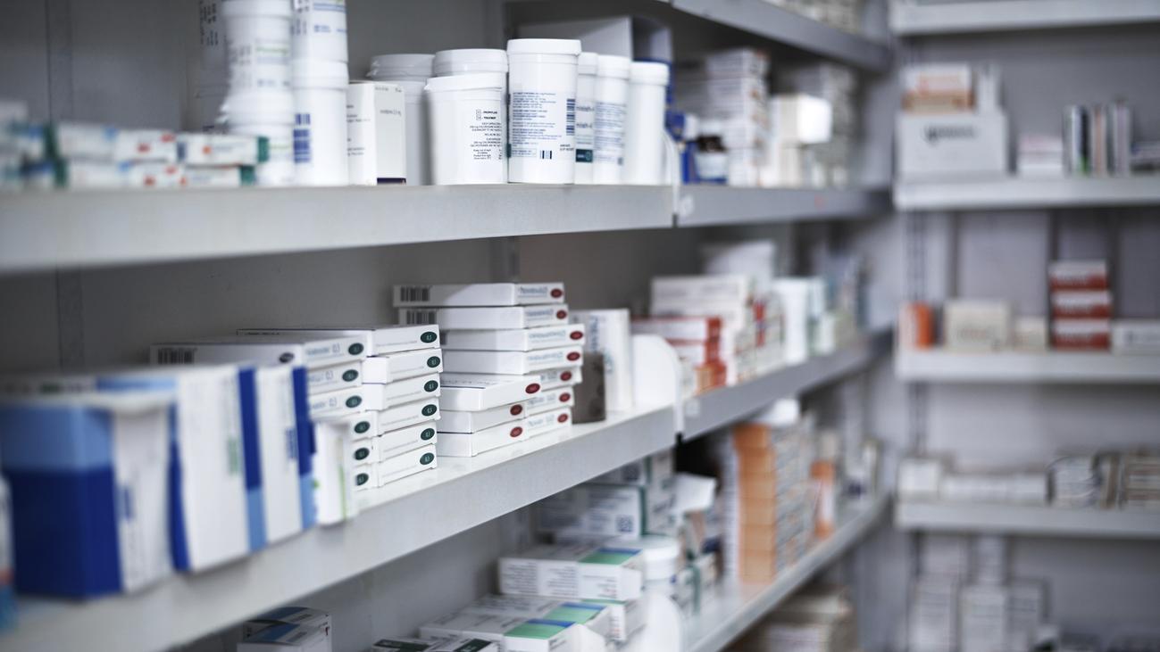 Farmacias catalanas denuncian a Glovo por venta ilegal de medicamentos