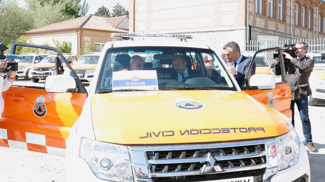 La Comunidad entrega nuevos vehículos de Protección Civil a 18 municipios