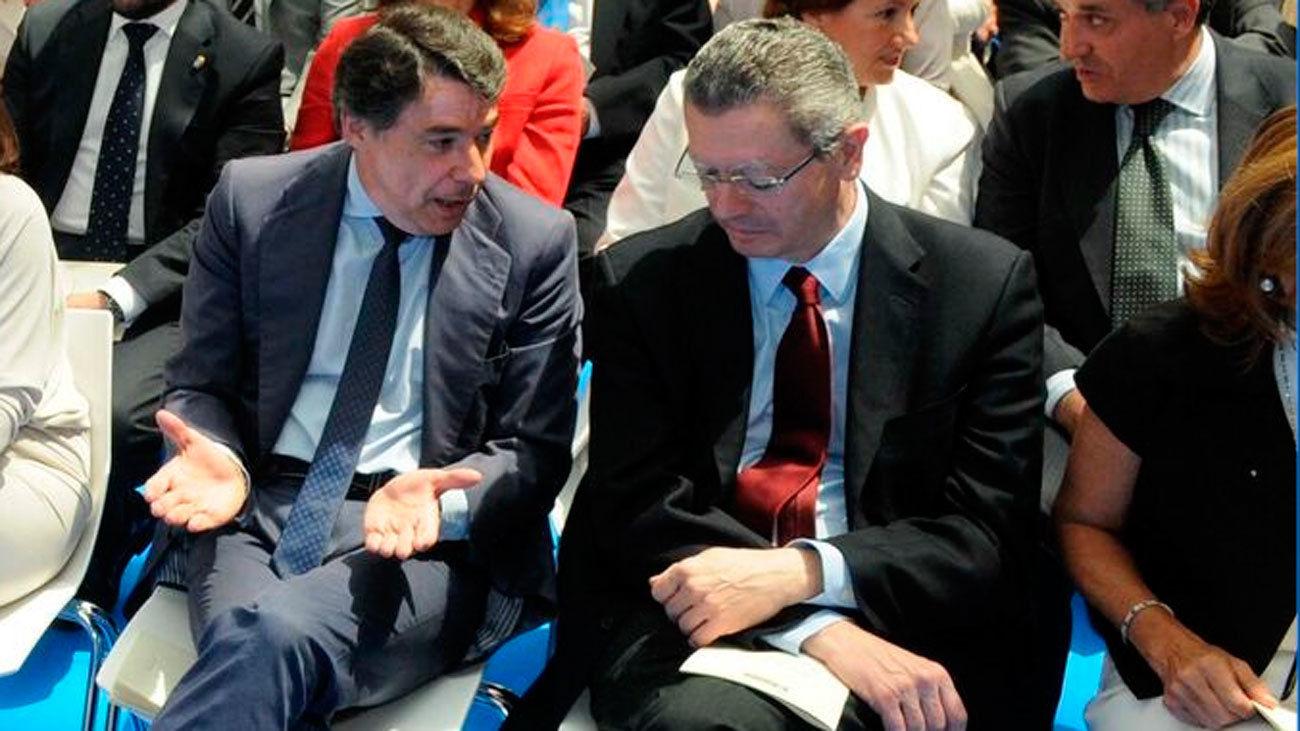 Ignacio González y Alberto Ruiz Gallardón durante un acto