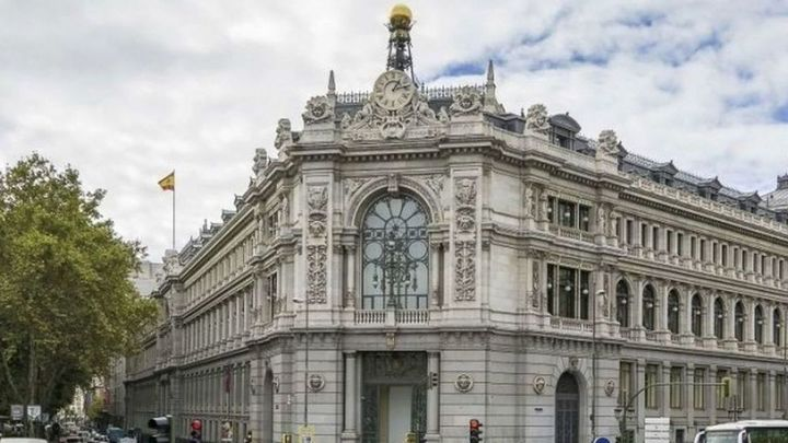 El Banco de España prevé que el PIB caiga entre  un 9% y un 11,6% en 2020