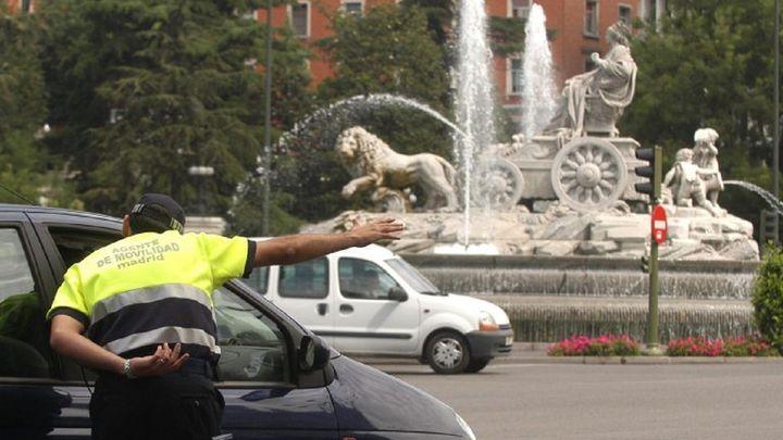 El Ayuntamiento acuerda una subida de 1.000 euros en el complemento de los agentes de movilidad