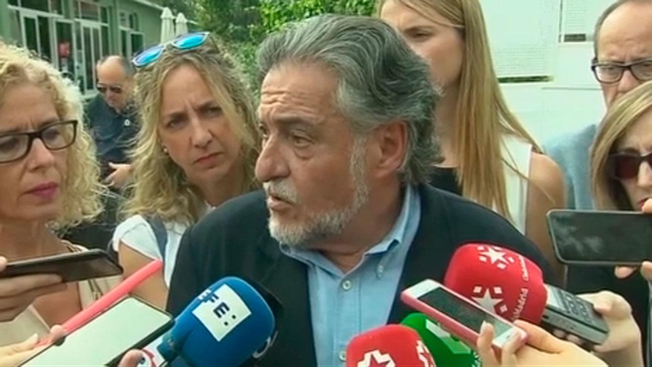 El candidato del PSOE Pepu Hernández niega que haya ampliado su vivienda sin licencia