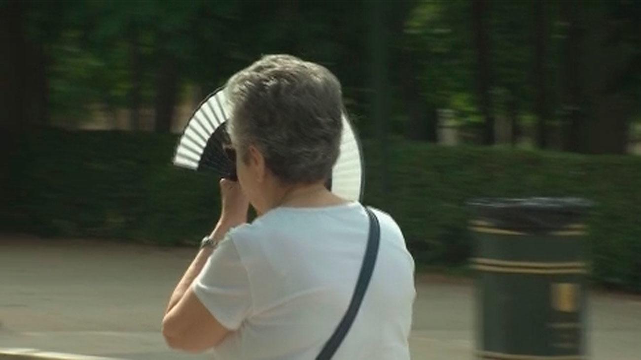 La mayoría de los casos de melanoma, 6.000 cada año en España, se evitarían con protección solar