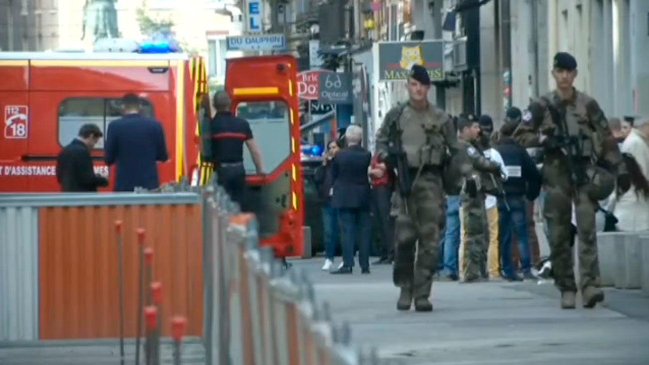 Explota un paquete bomba en el centro de Lyon y causa al menos ocho heridos