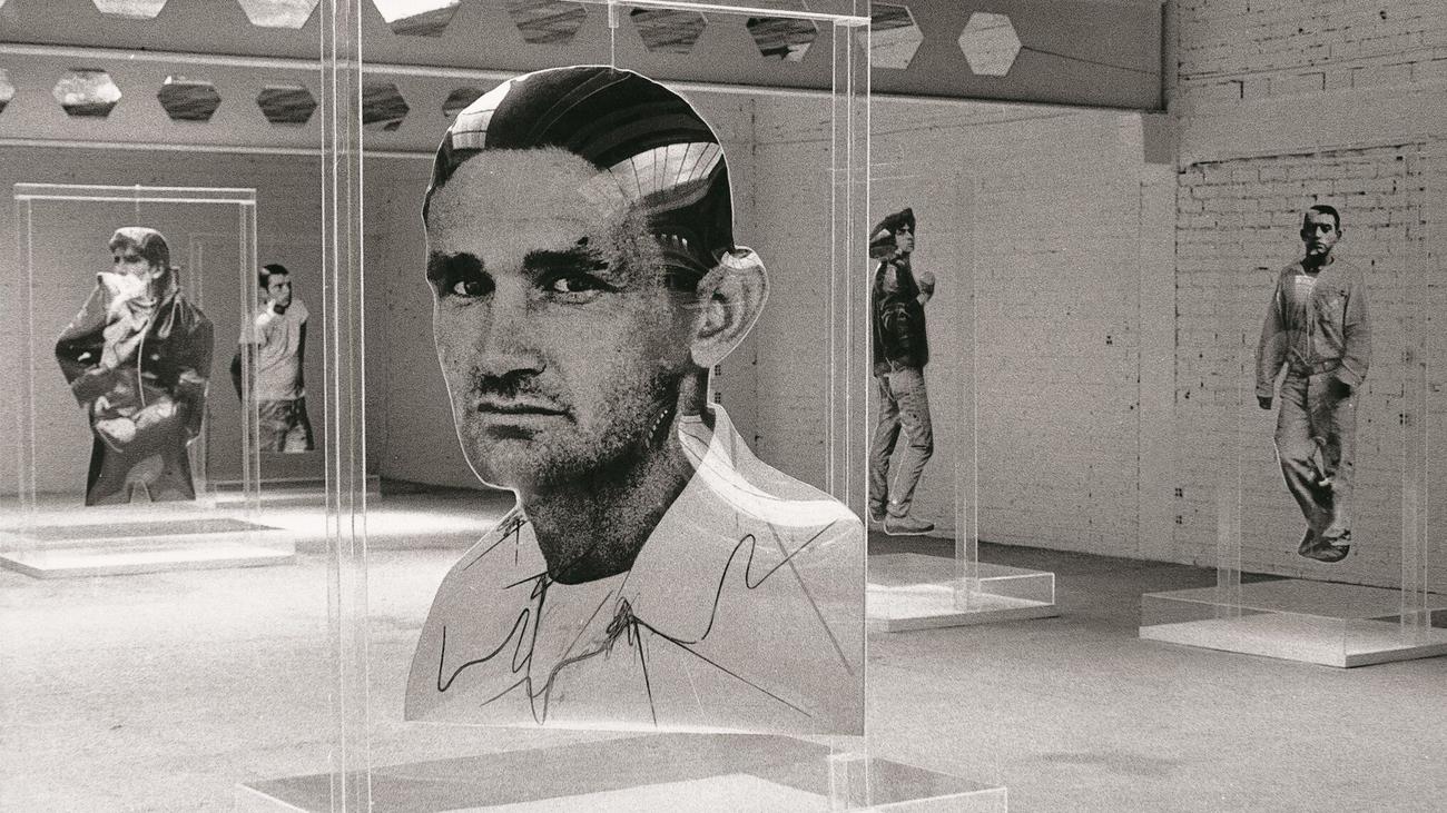 'Los encapsulados' de Darío Villalba cobran vida en una exposición