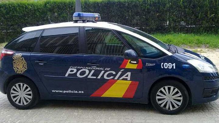 La Policía Nacional detiene a 23 aficionados del FC Barcelona en Sevilla