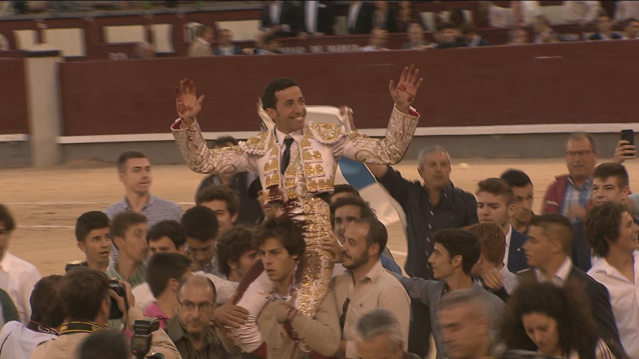 David de Miranda sale por la puerta grande de Las Ventas