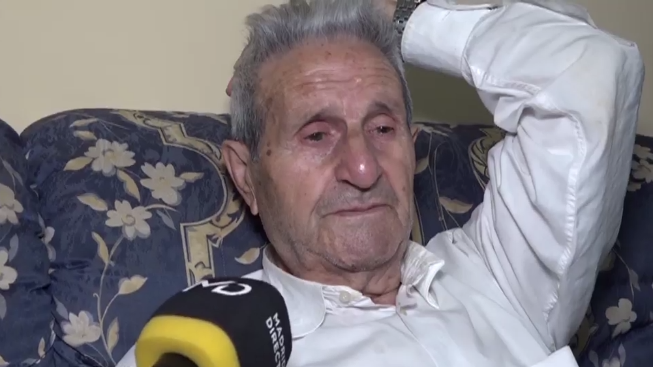 Echan a un anciano de 90 años de su propia casa en Carabanchel