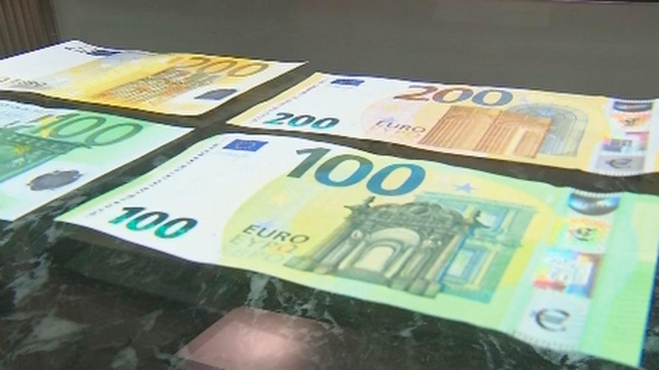 Entran en circulación los nuevos billetes de 100 y 200 euros