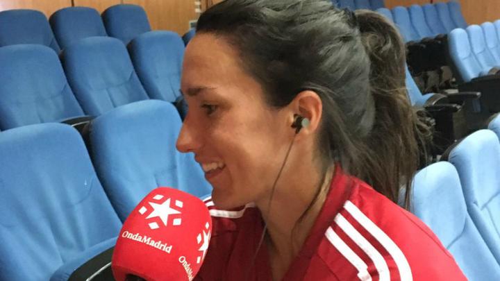 """Silvia Meseguer: """"Hay muchas cosas que mejorar en el fútbol femenino"""""""