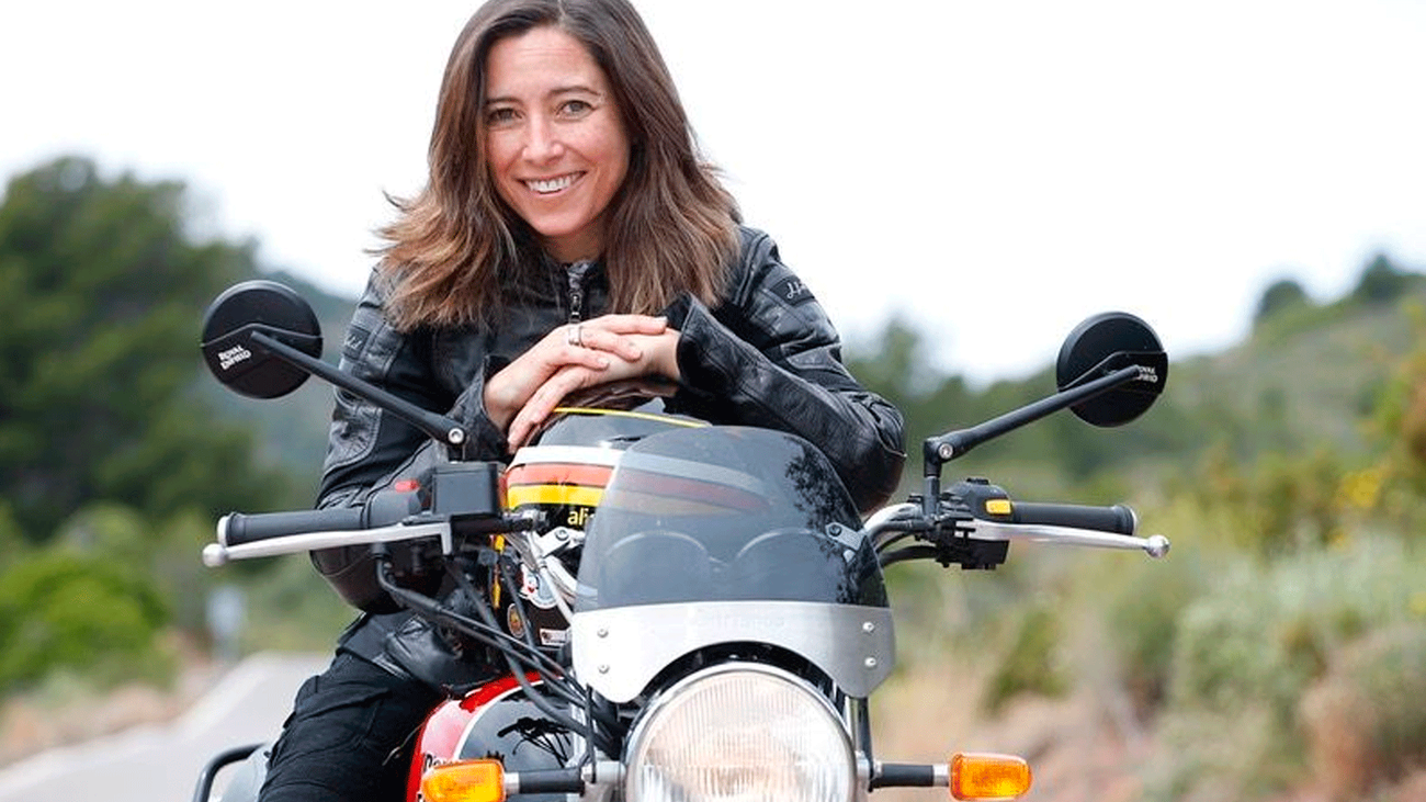 Alicia Sornosa, la primera mujer en dar la vuelta al mundo en moto