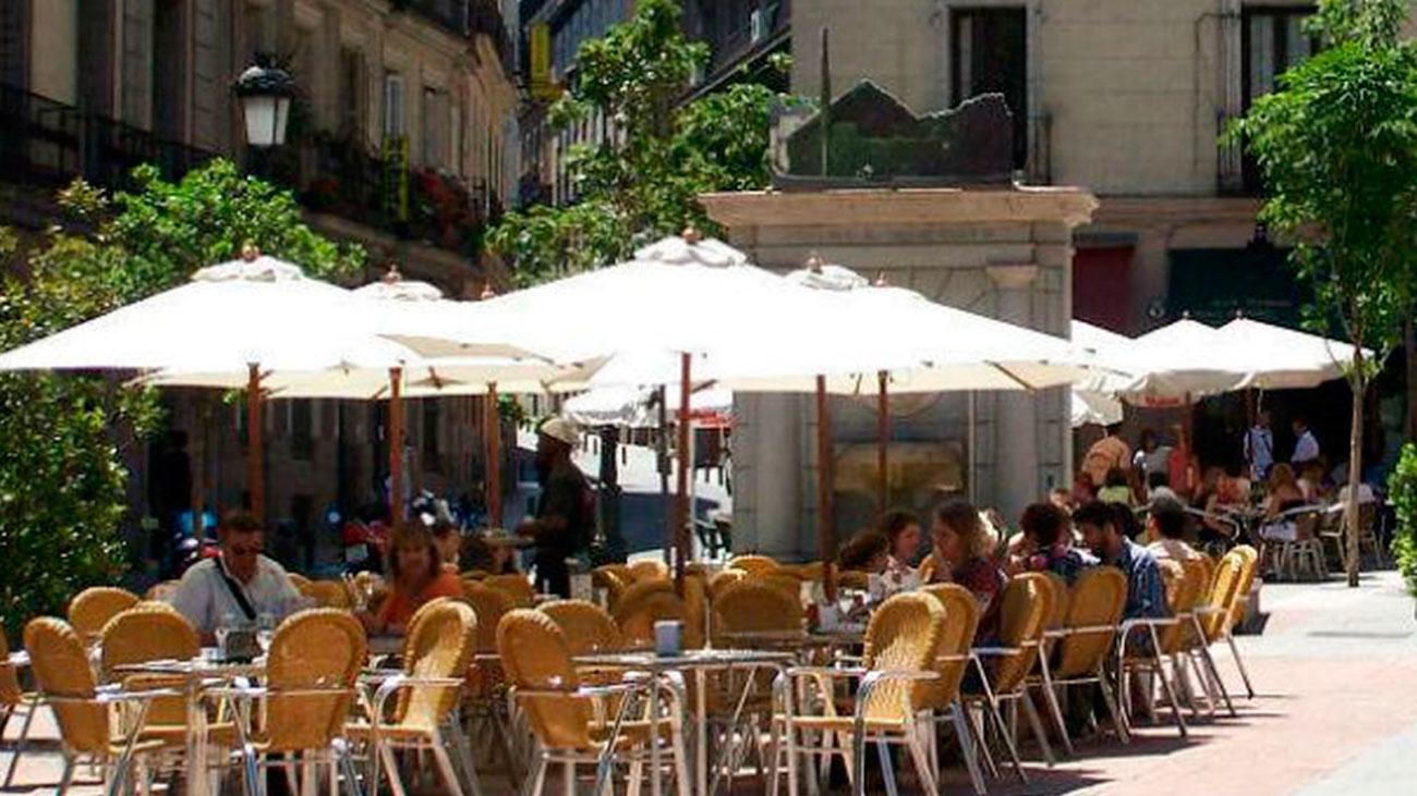 Los primeros calores fuertes del año llegan a Madrid con más de 35 grados