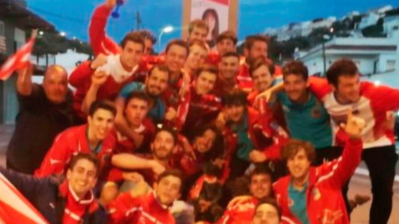 Polémica por el vídeo con el que un equipo de fútbol celebró su ascenso