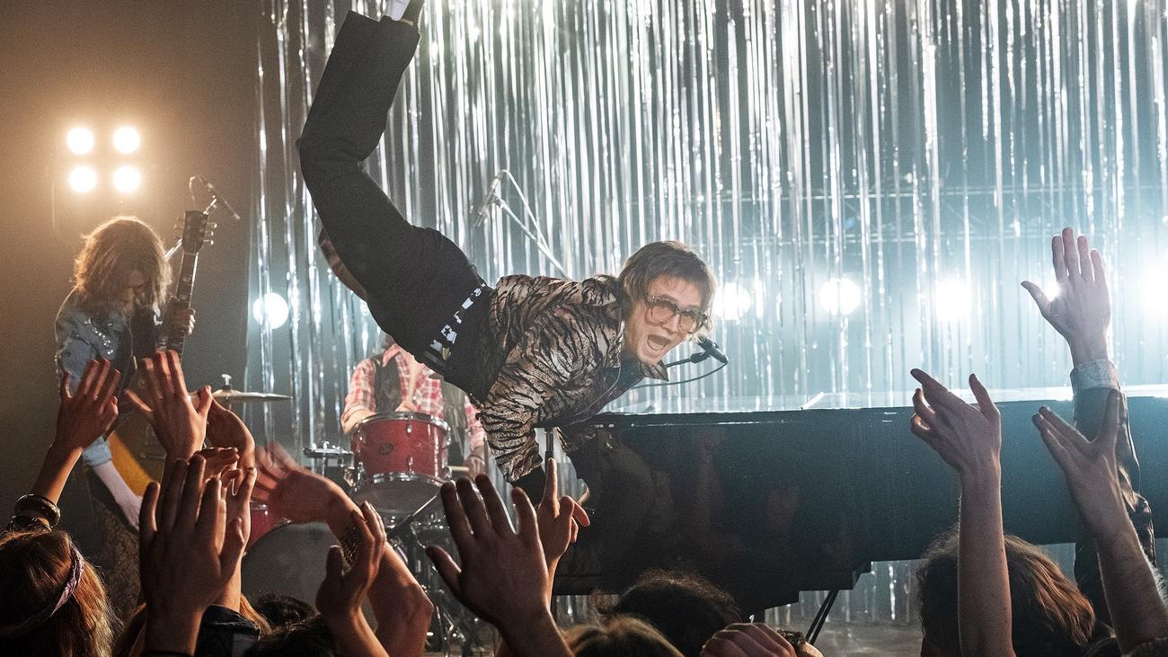 'Rocketman', la película que no esquiva mostrar la dura vida de Elton John