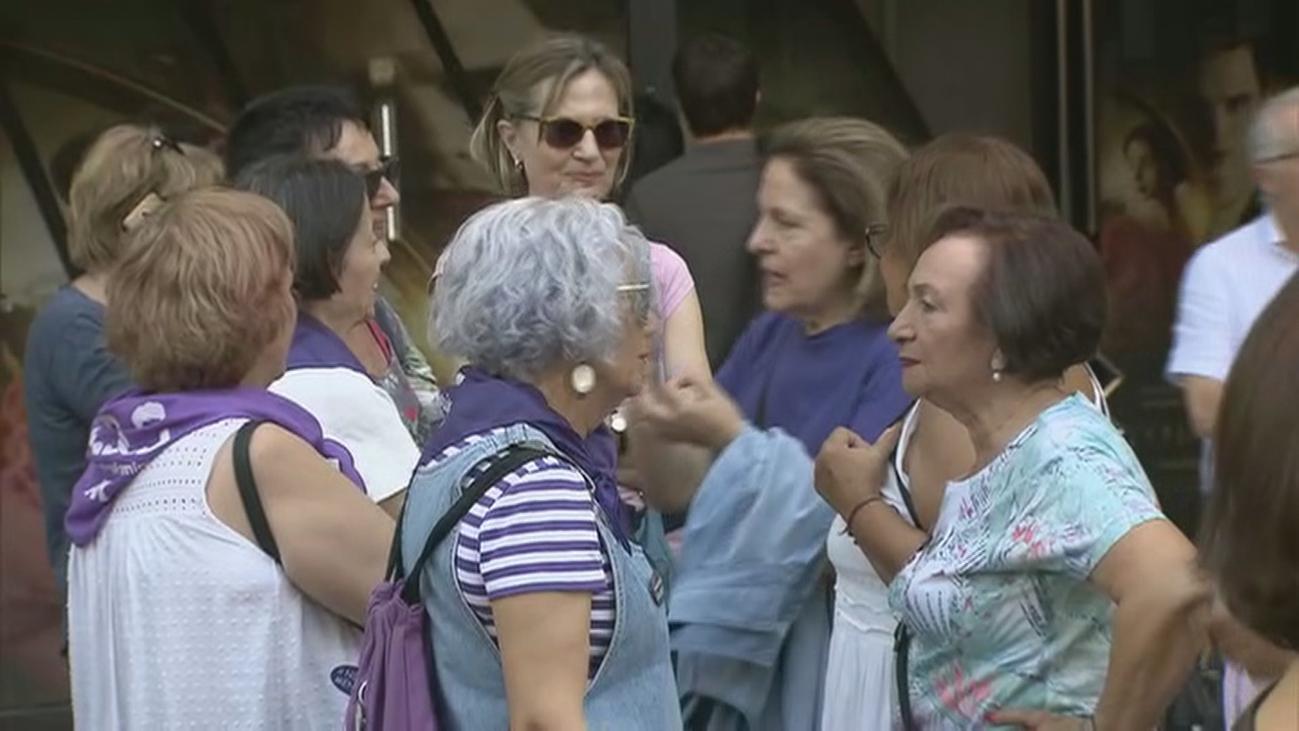 """La concentración en recuerdo de la trabajadora de Iveco exige la """"normalización de la sexualidad femenina"""""""