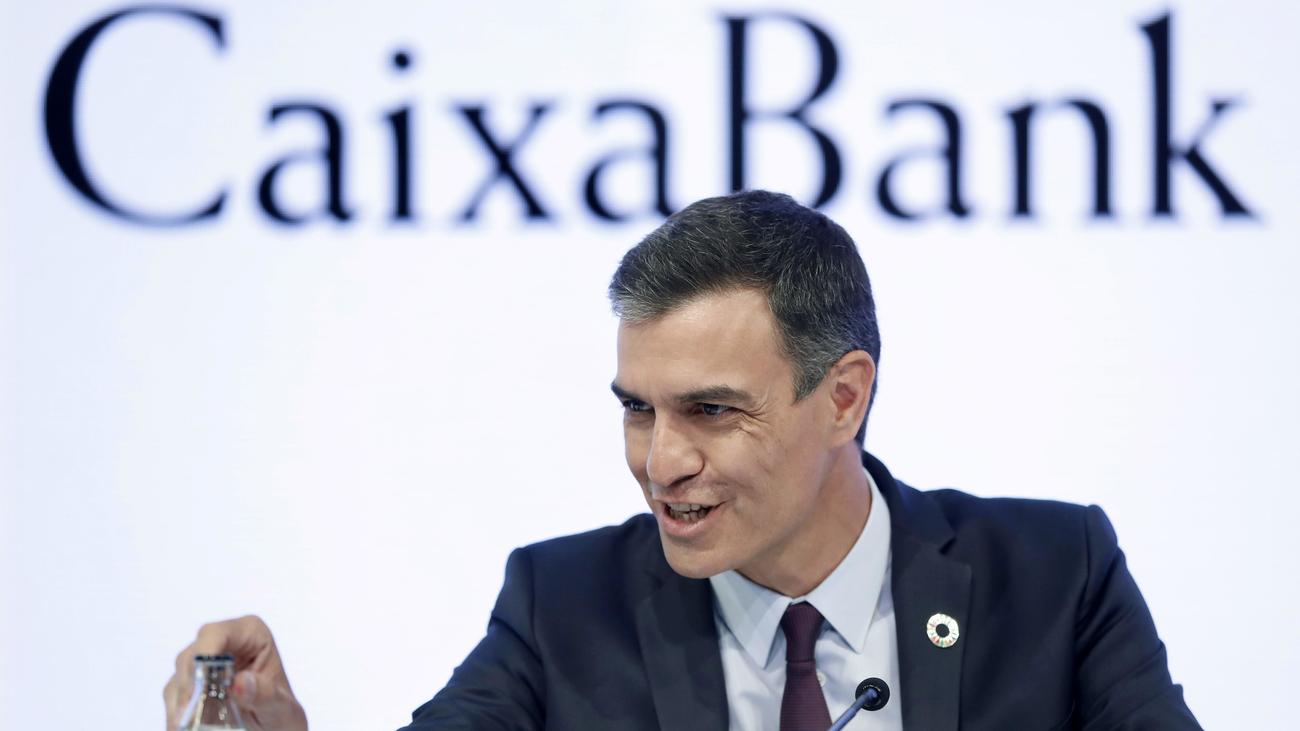 """Sánchez llama a partidos y agentes sociales a impulsar su """"agenda del cambio"""""""