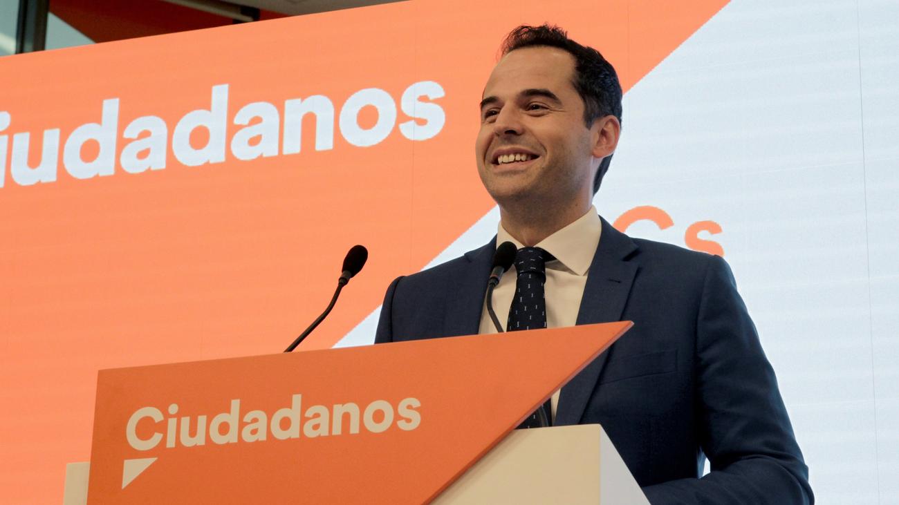 """Aguado insiste en negociar solo con el PP y pide a Vox que no haya """"bloqueos"""""""