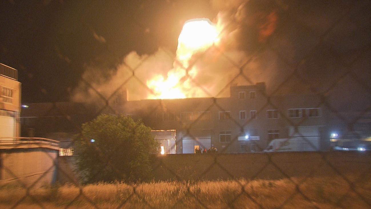 Aparatoso incendio en una nave industrial en San Sebastián de los Reyes