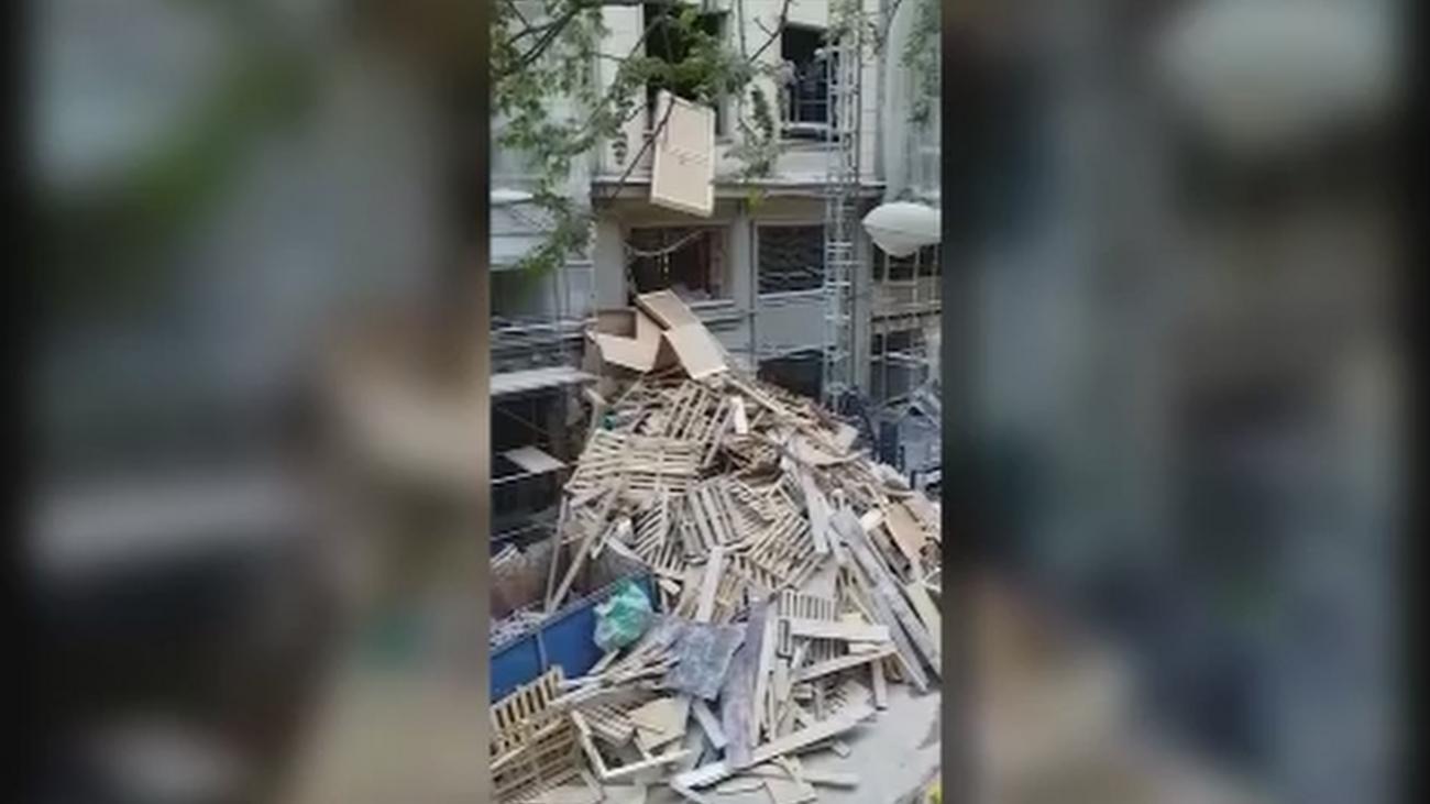 Los vecinos de Plaza España, sin poder dormir por las obras del Hotel Riu