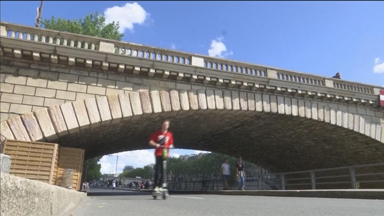 París le declara la guerra al patinete eléctrico