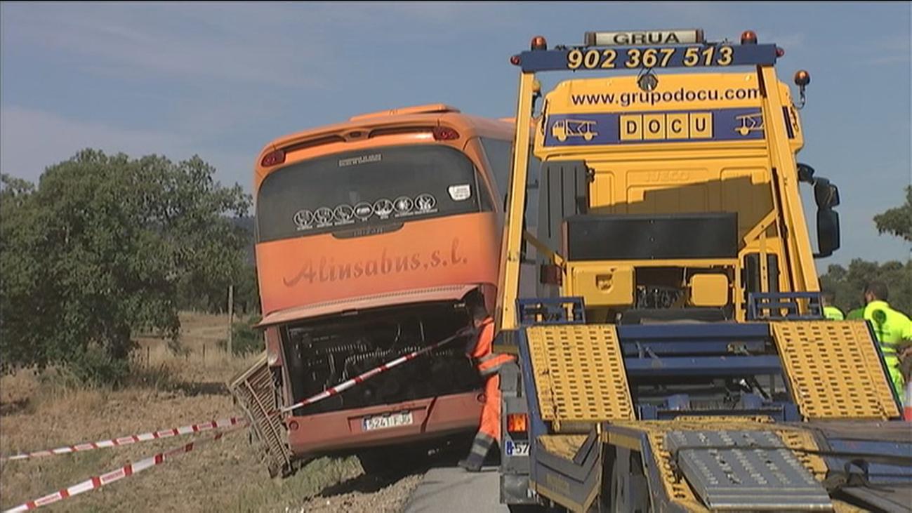 Vuelca un autobús con vecinos de varios  pueblos de Madrid que se dirigía a Fátima