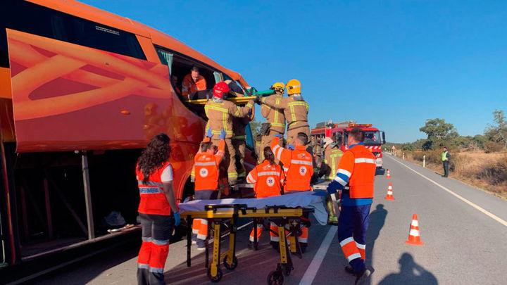 Ocho heridos, uno de ellos grave, en un accidente de autobús que iba de Alcorcón a Fátima