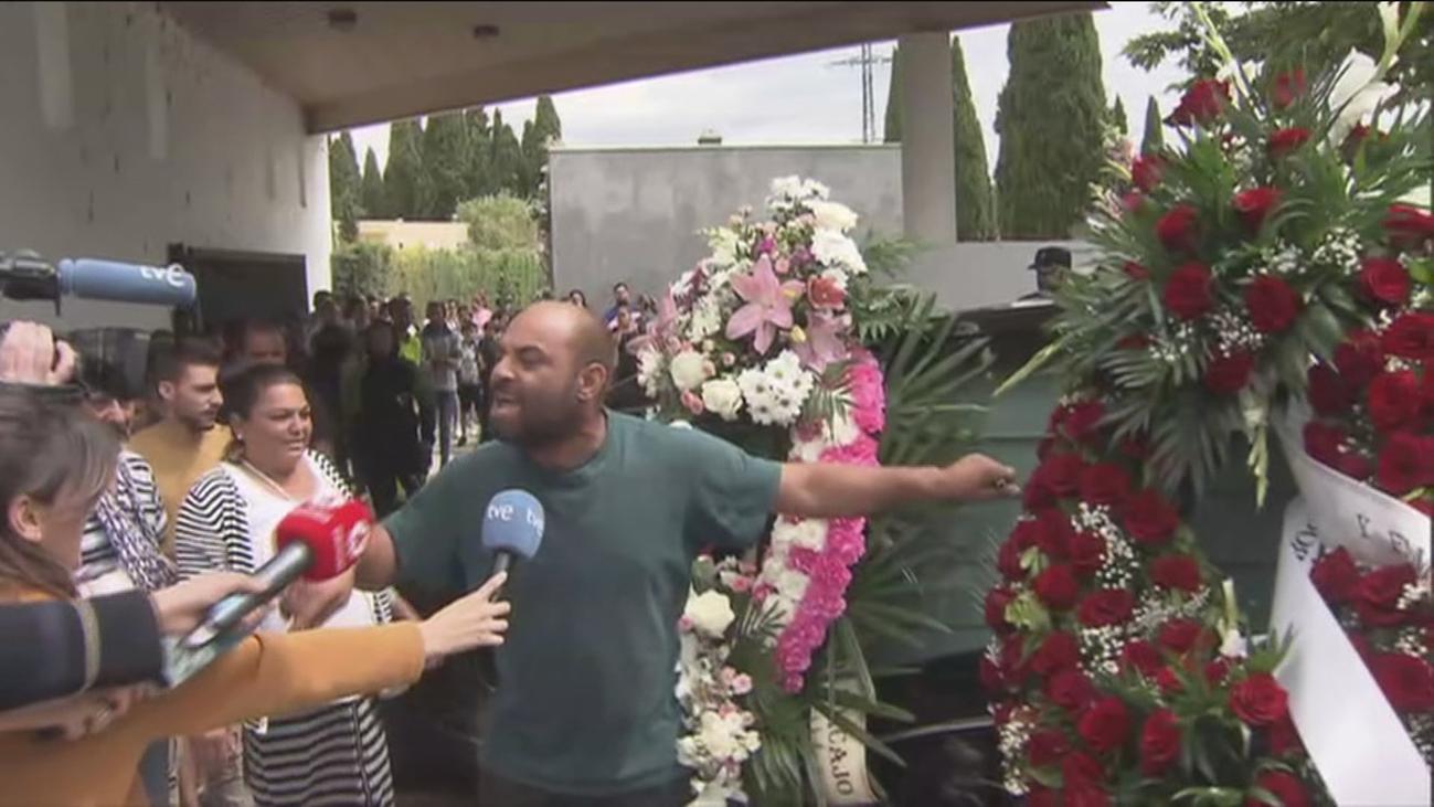 Tensión, dolor y amenazas en el entierro de Lisset, en Aranjuez