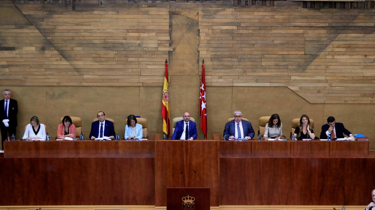 """La  XI Legislatura arranca  y abre """"una nueva etapa"""" en la Comunidad de Madrid"""
