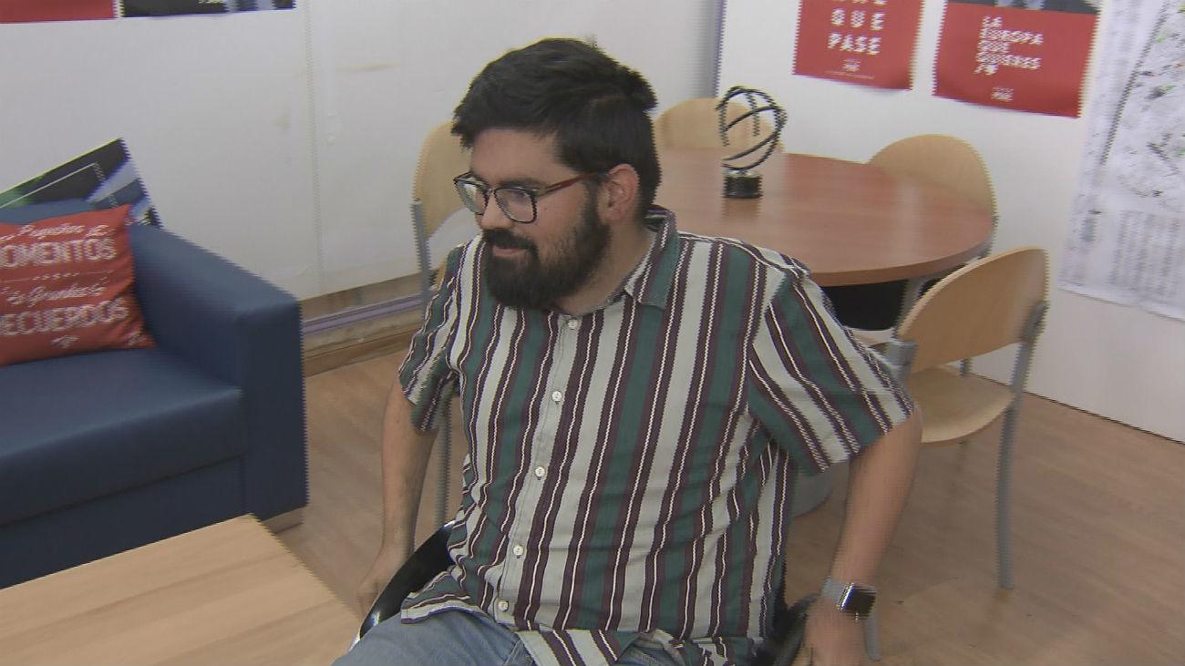 El ayuntamiento de Parla no está adaptado para personas con movilidad reducida