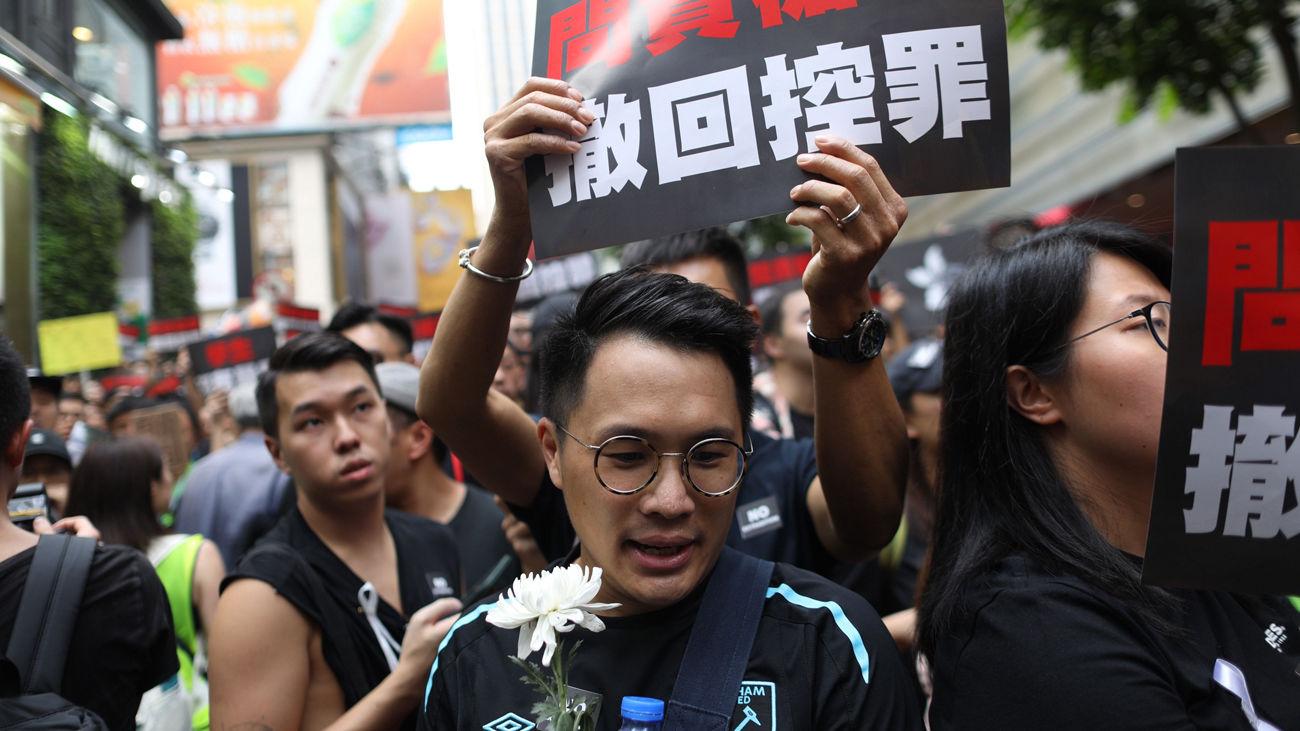 Cientos de miles de hongkoneses se manifiestan para pedir retirada ley