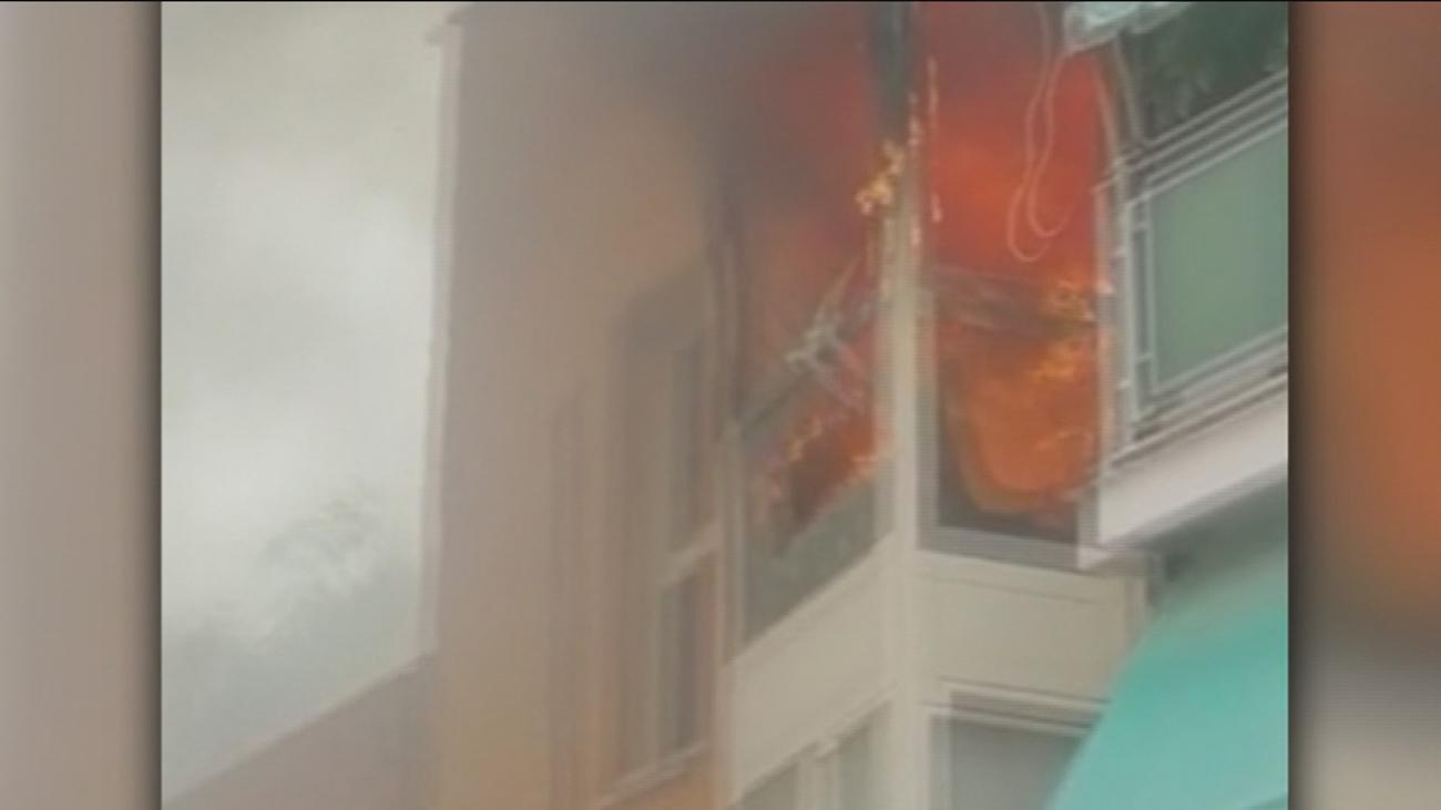 Aparatoso incendio en una vivienda de Puente de Vallecas