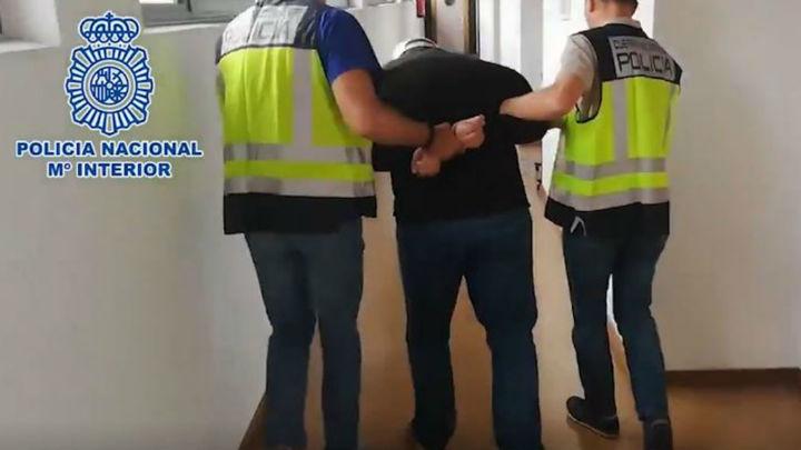Detenido por amenazar a su madre con cuchillo y asfixiar a un policía en Moncloa