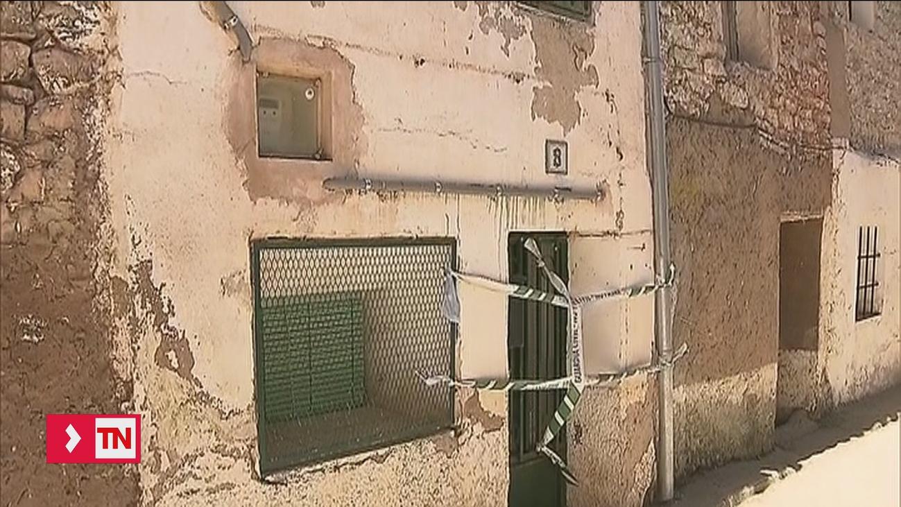 Detenidos dos hijos de una mujer emparedada en Pozondón (Teruel)