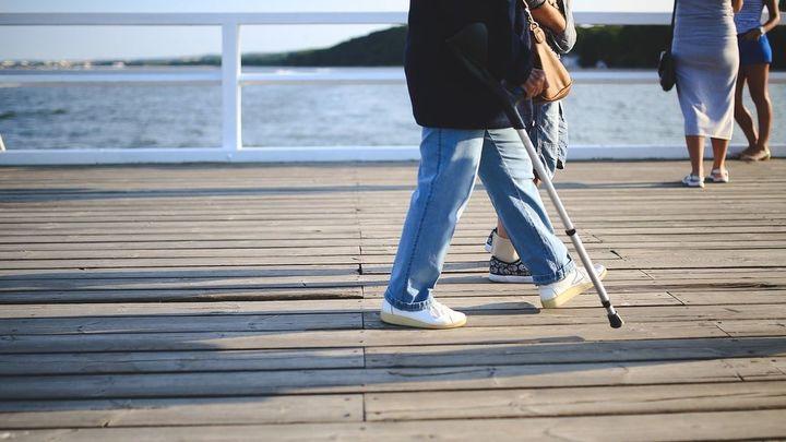 ¿Cómo puedo solicitar la incapacidad laboral permanente y quiénes pueden reclamarlo?