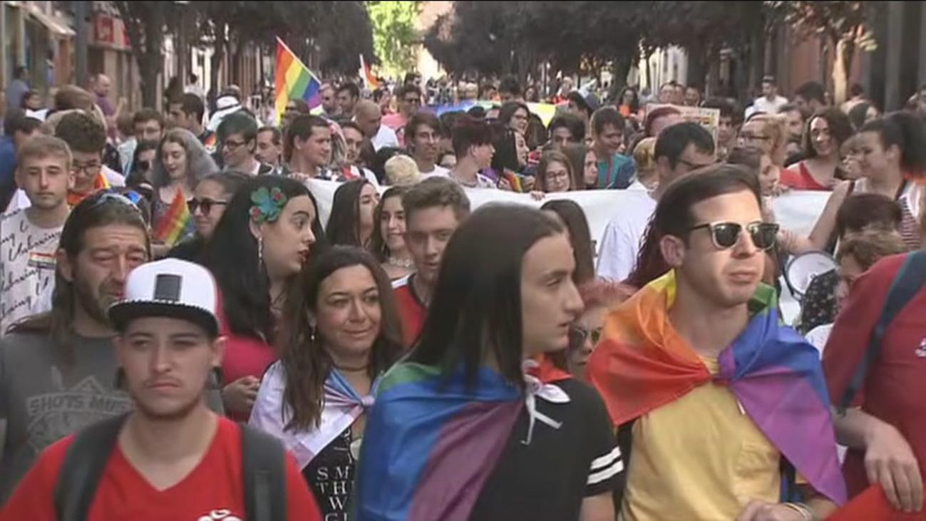 Alcalá de Henares se llena de color en su III edición del Orgullo LGTBI