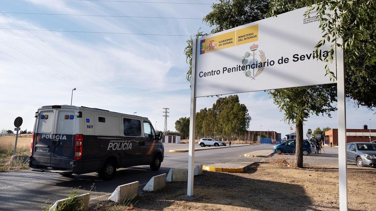 Primera noche en prisión para los integrantes de 'La Manada'