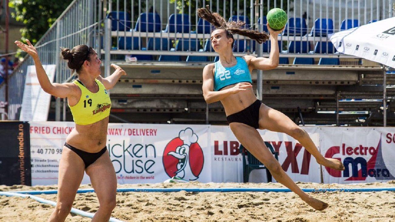 Cuartos de final de la liga de balonmano playa femenino absoluto