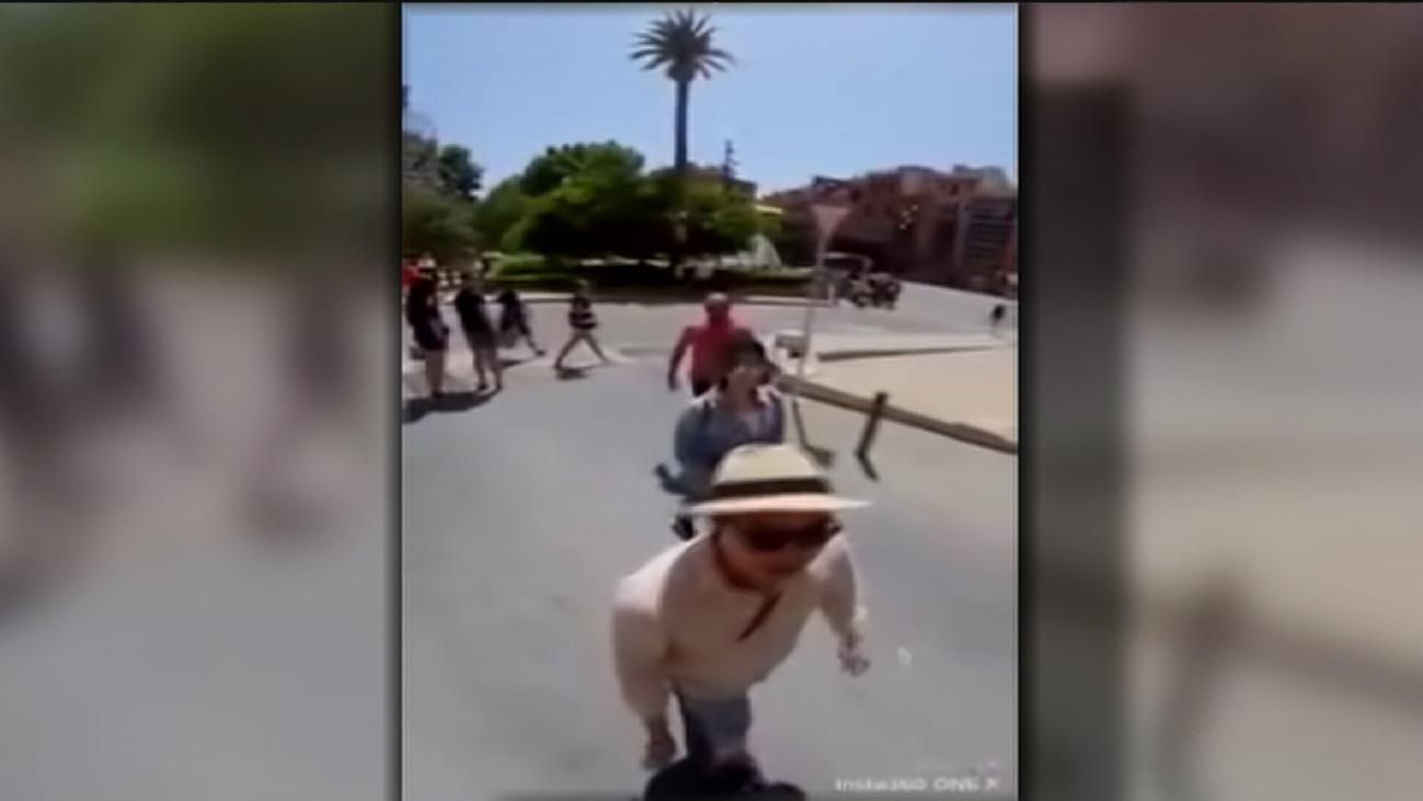 Unos carteristas, pillados 'in fraganti' robando a unos turistas japoneses