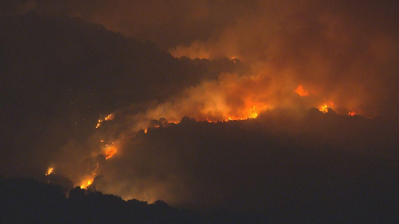Cadalso y Cenicientos pendientes del fuego tras otra noche de angustia