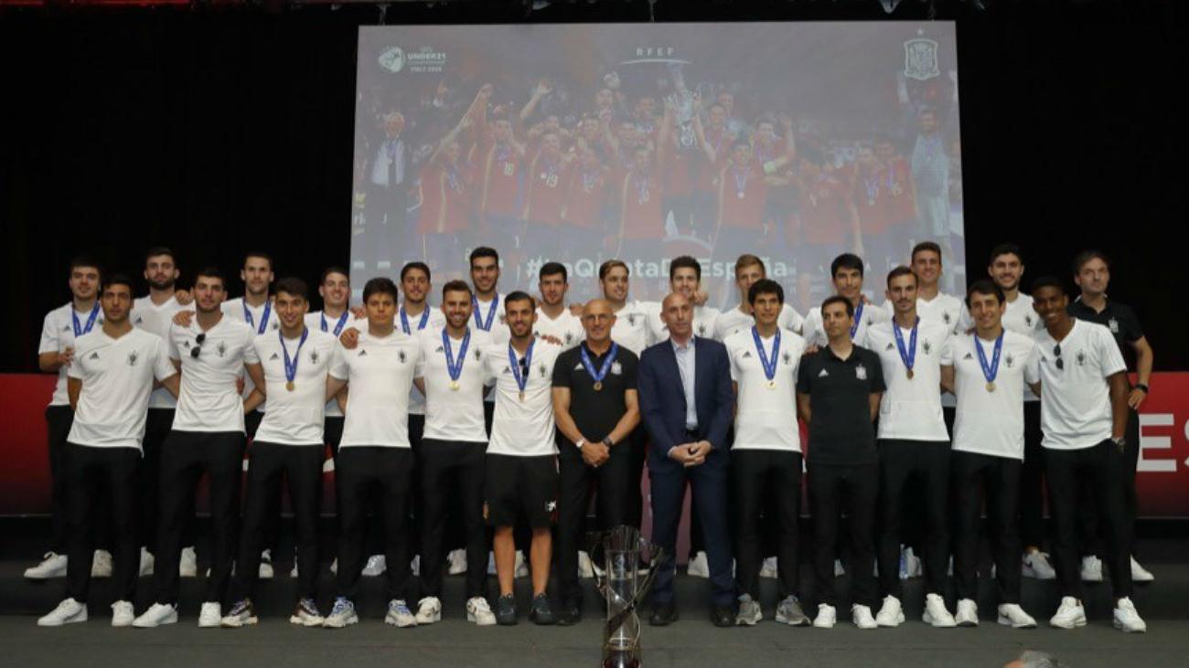 Emocionante recibimiento a los campeones de Europa sub'21