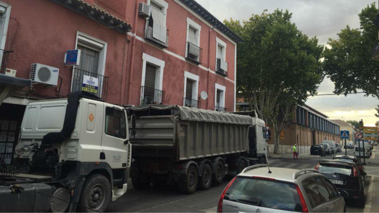 Asfaltado de una calle de Aranjuez