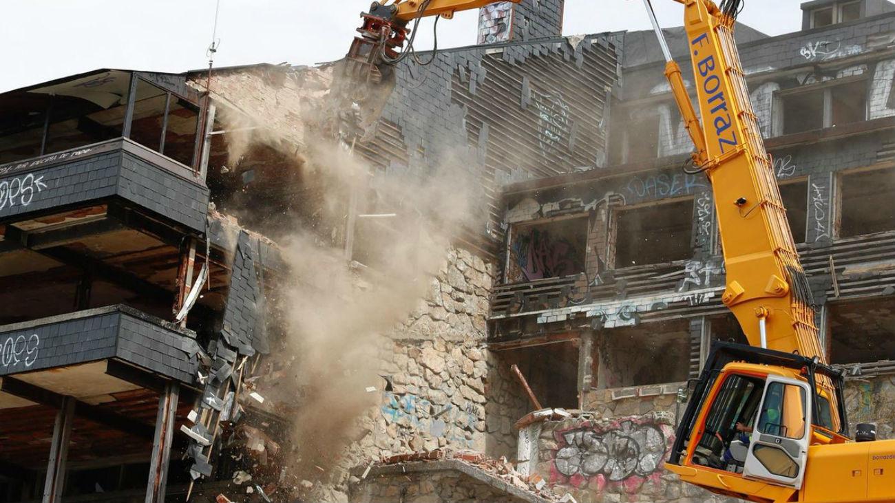 Demolición del Club Alpino de Navacerrada, un icono de Guadarrama