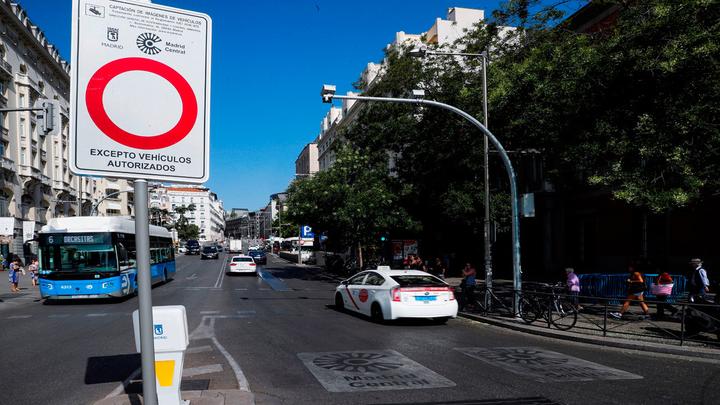 Un juzgado paraliza cautelarmente la moratoria a las multas en Madrid Central
